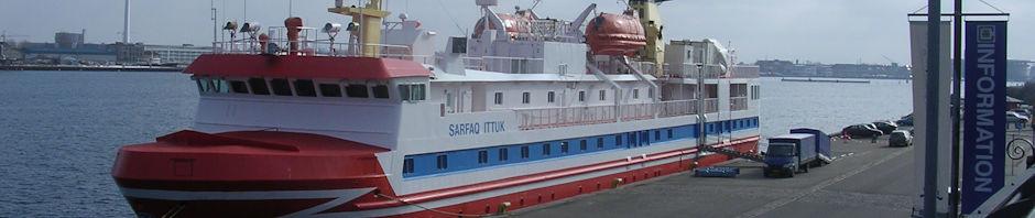Passagerskib sidder fast i Grønland